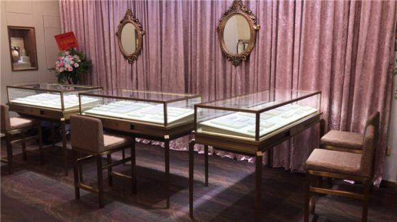 广州珠宝店珠宝展柜实拍